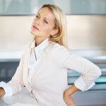 Hogyan szüntethetjük a gerincsérv okát?