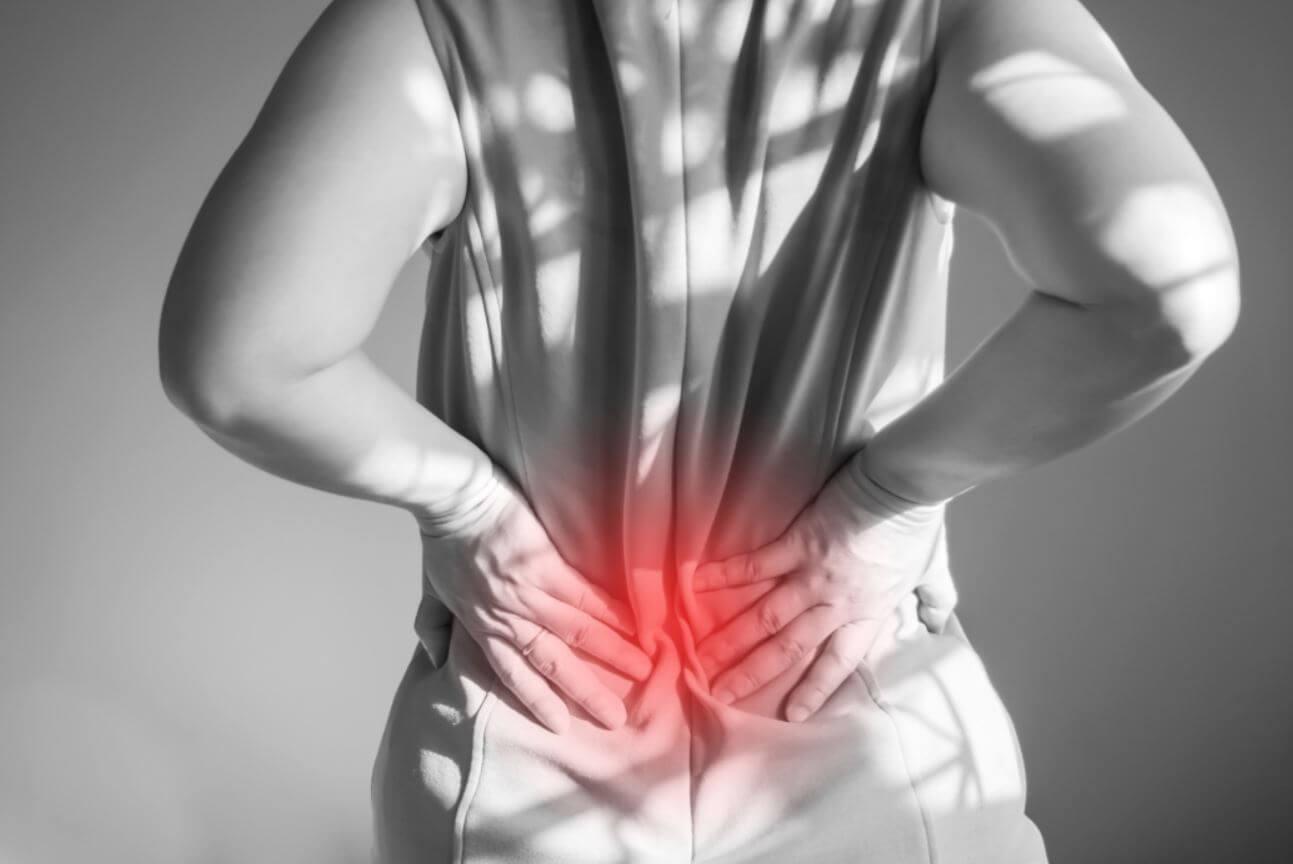 váratlan térdfájdalom járás közben